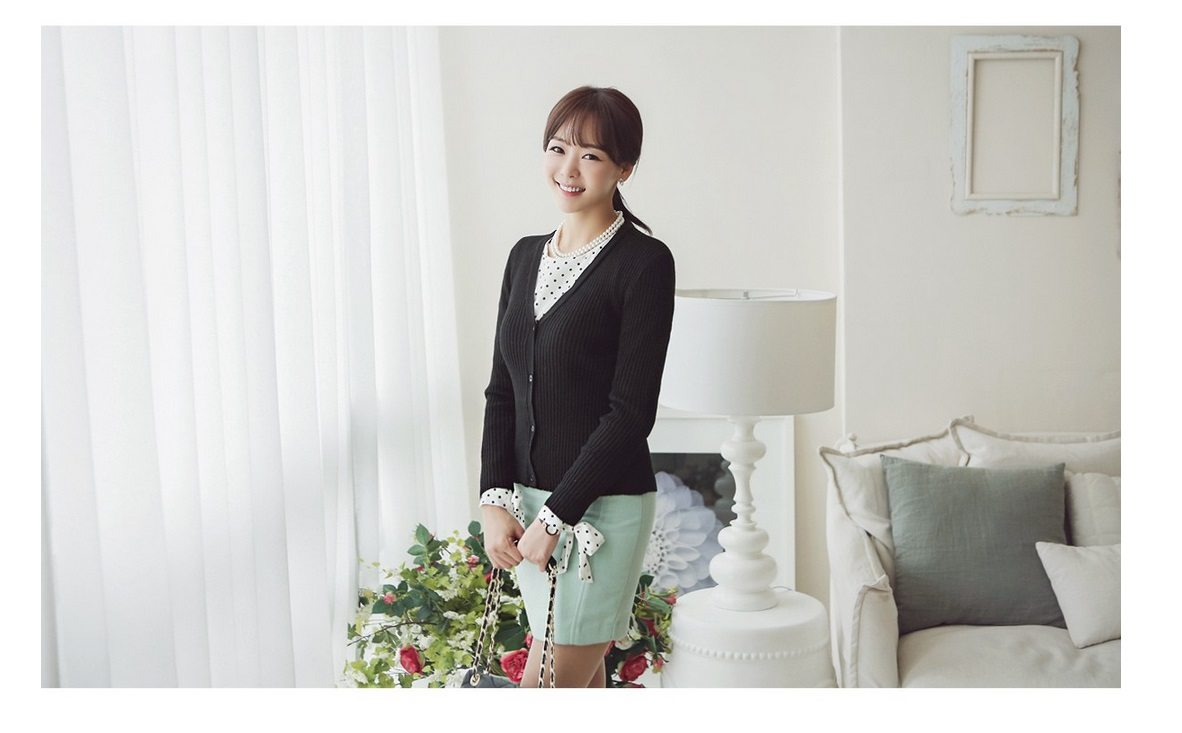 Corrugate Soft V-Neck Cardigan Korean fasion online shop malaysia singapore brunei indonesia3